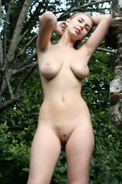 Busty Nastya nude outdoors