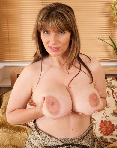 Big tit MILF Josephine James
